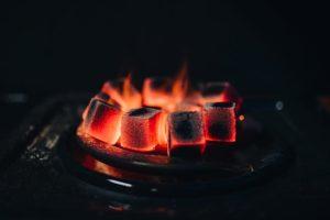 صورة فحم على النار HD مجانا