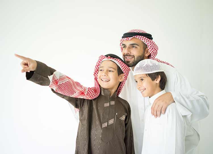 صورة أسرة خليجية HD, أب, أولاد, صور وخلفيات فائقة الدقة مجانا