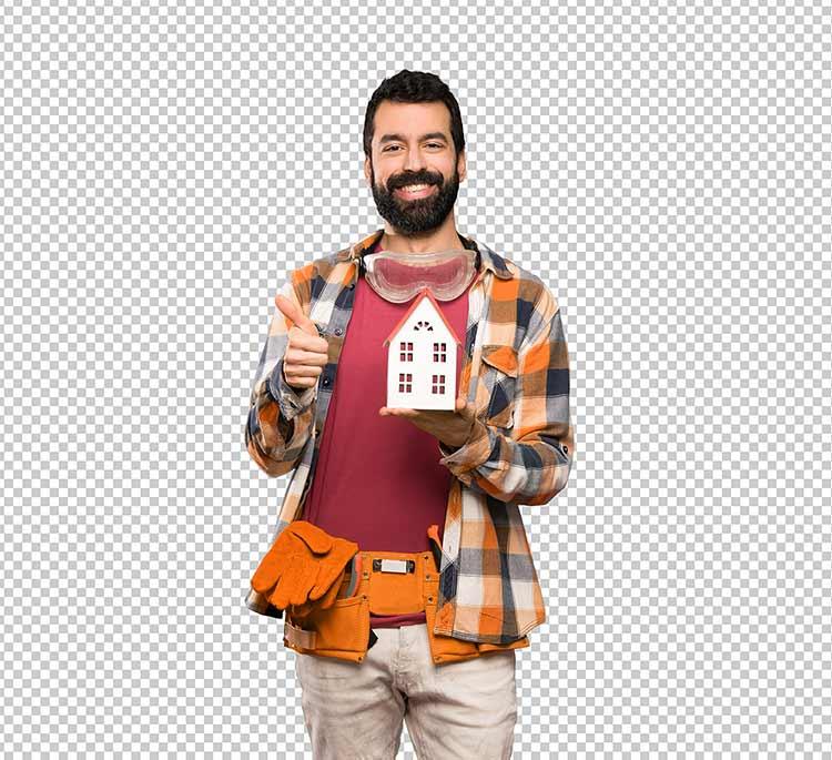 رجل حرفي سعيد يحمل بيت من خشب بين يديه PNG